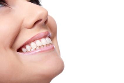 5 דברים שכדאי לדעת על השתלת עצם בלסת